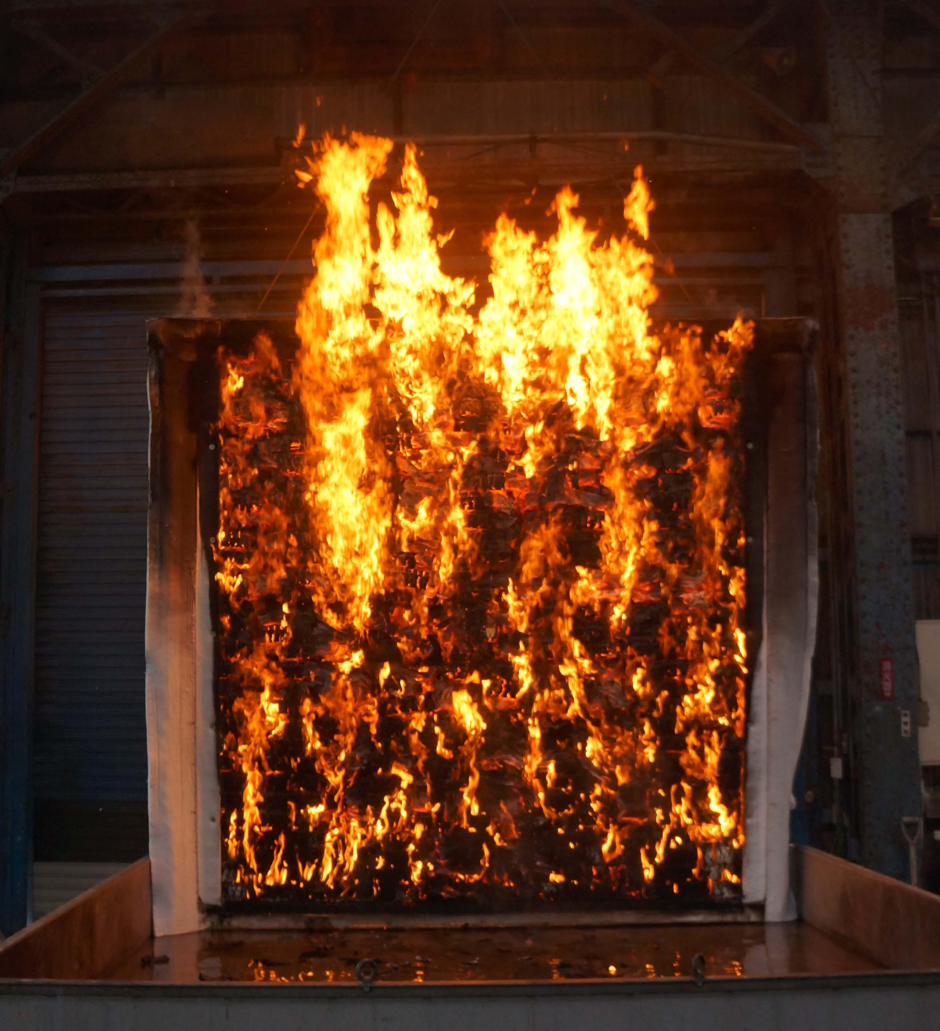 ウエスタンレッドシダ―外装材防火構造